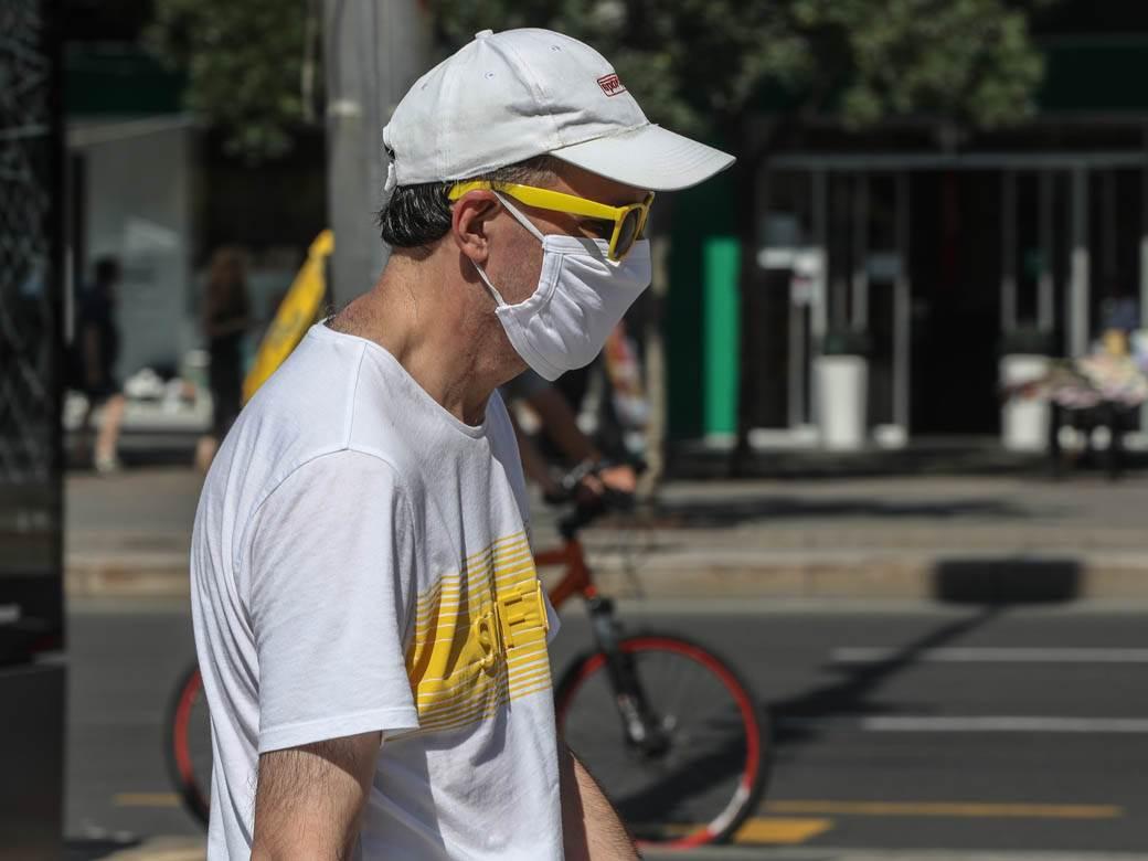 zaštitna maska maske ljudi građani vrućina