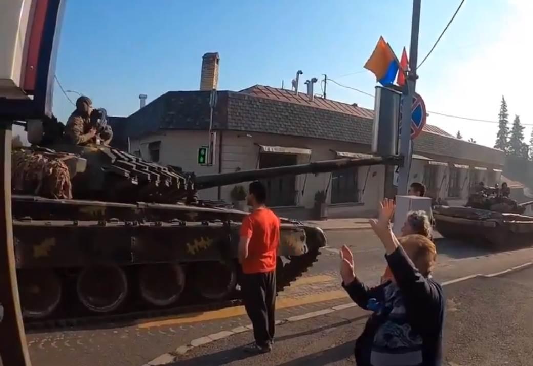 tenkovi.jpg