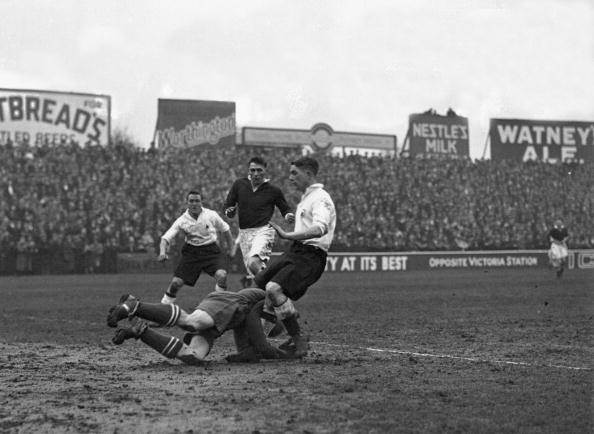 England;black & white;format landscape;male;Sport;Football;Perso