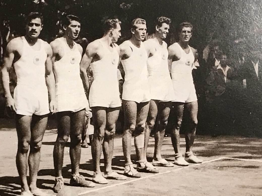 Prva postava reprezentacije Jugoslavije, s leva: Slobodan Milosavljević, Bogoljub Stojimirović, Vlado Skerbinjek, Ivan Popović, Zdenko Mikina i Gavra Budišin.