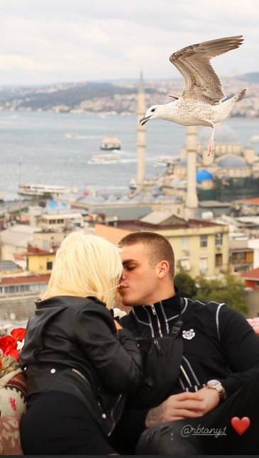 Dara Bubamara dečko Toni poljubac Turska