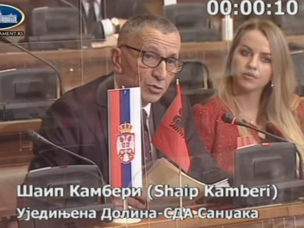 šaip kamberi skupština albanska zastava