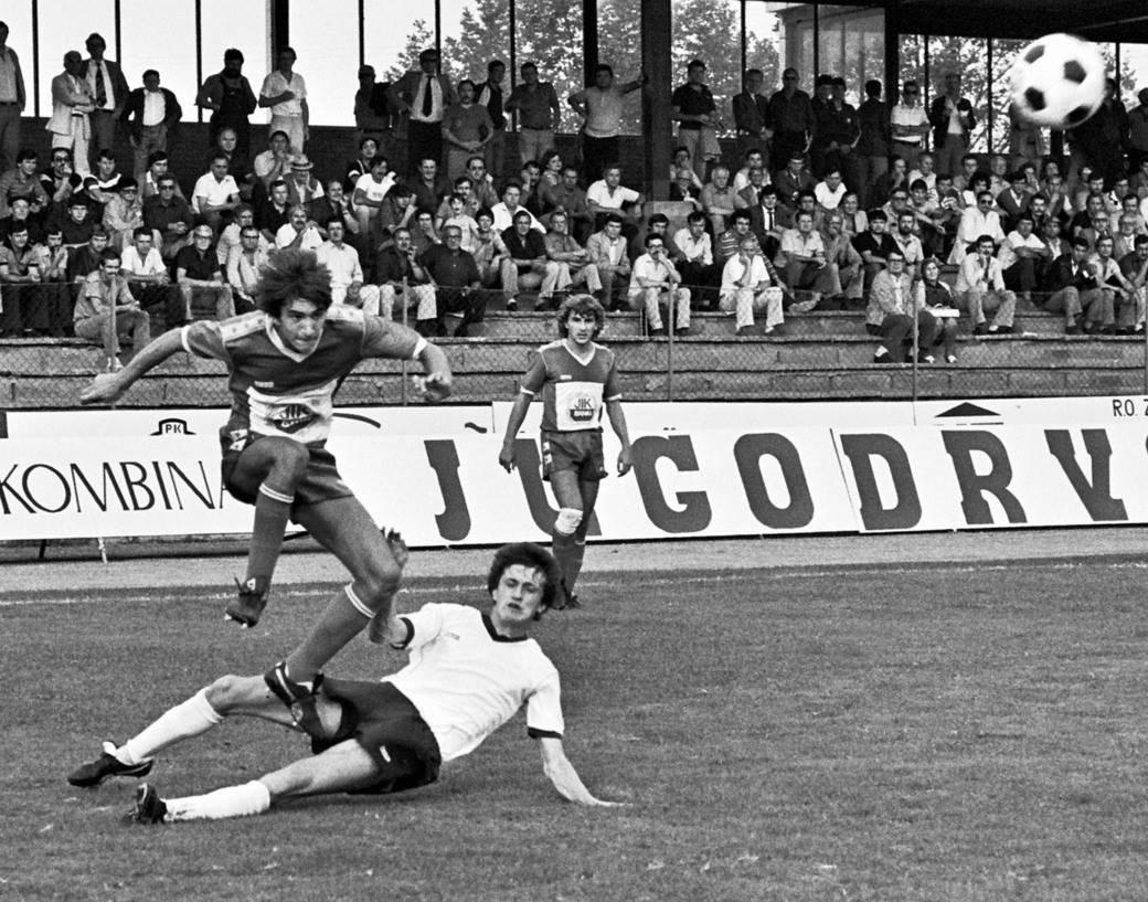 Mitar Mrkela (OFK Beograd) i Mirza Kapteanović (Sarajevo), 1981. godina