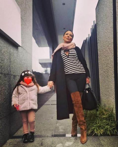 Ana Nikolić sa ćerkom