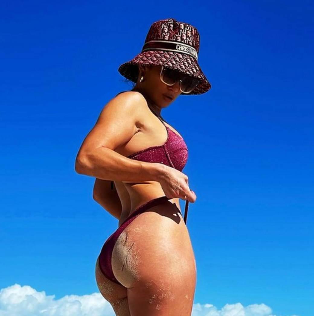 Dženifer Lopez guza u kupaćem