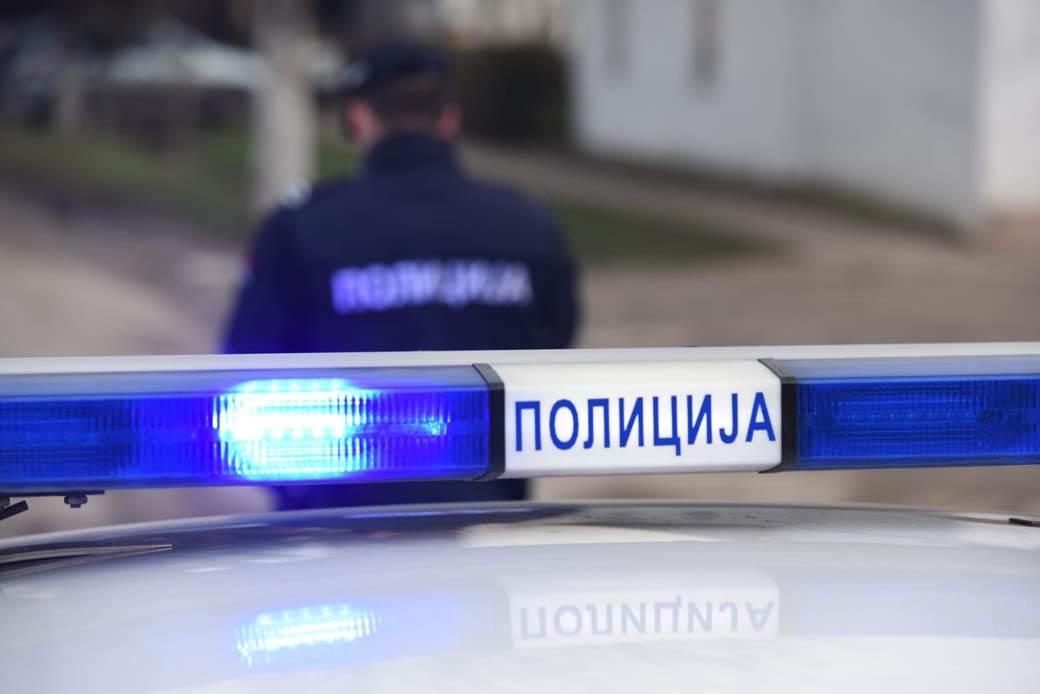 Mesto ubistva navijaca, staićevo, policija, policijska kola, 10