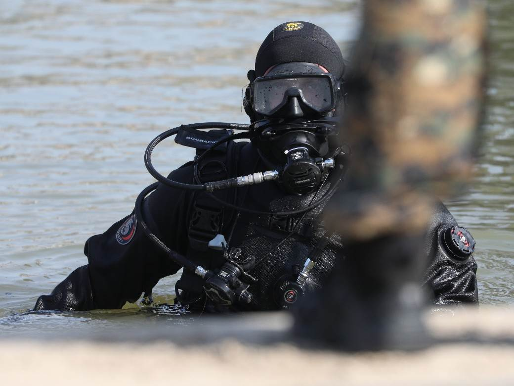 splav freestyler, pretres, policija, ronilac, ronioci 030
