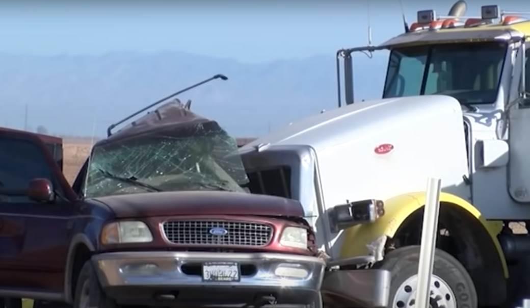 sudar automobil kamion kalifornija sad