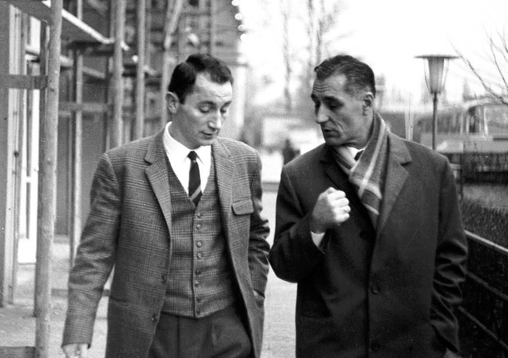 Fahrudin Jusufi, fudbaler Ajntrahta iz Frankfurta, i Rajko Mitić, selektor Jugoslavije.