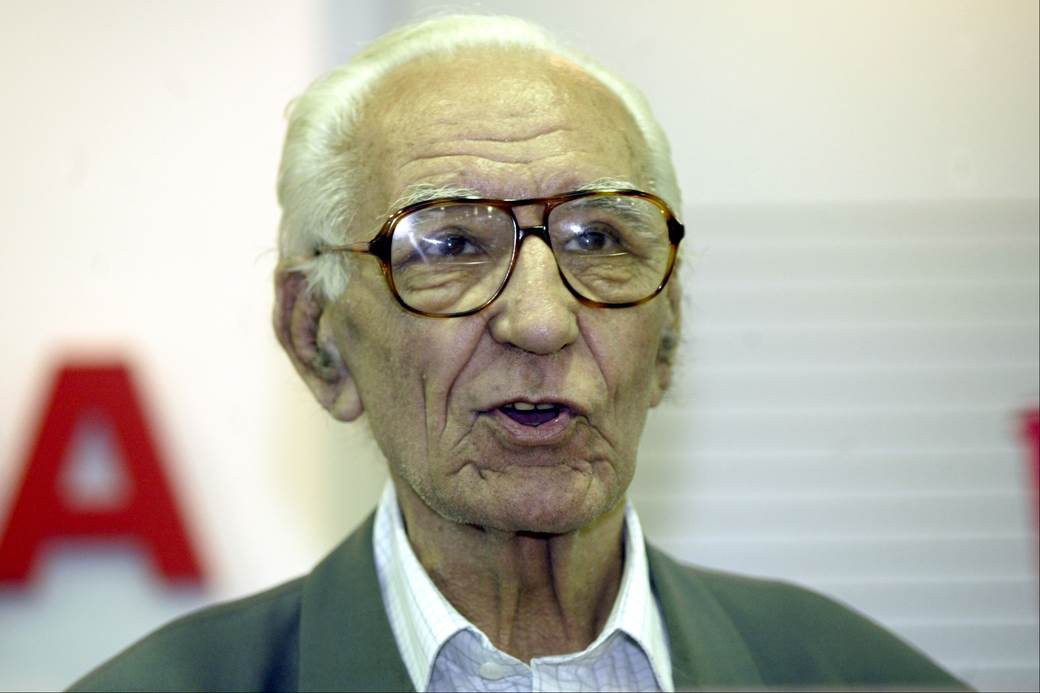 Rajko Mitić, veteran Crvene zvezvde u Media centru na stadionu Crvene zvezde 2005. godine.
