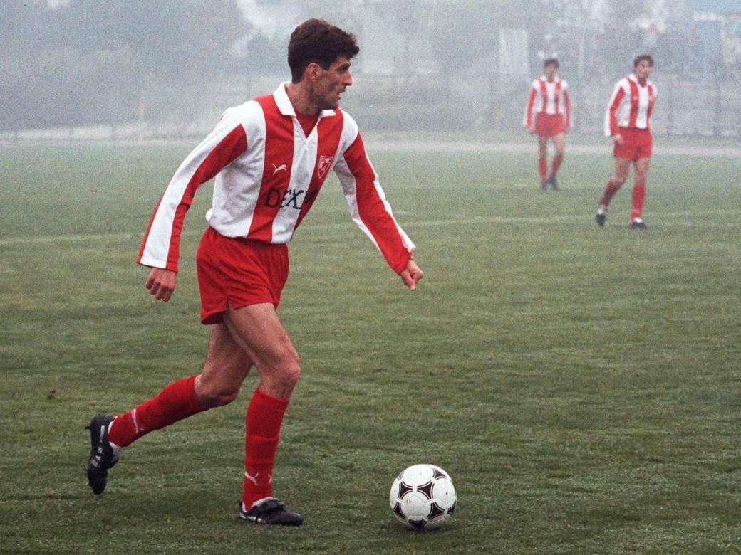 DUSKO RADINOVIC, fudbaler Crvene zvezde, na prijateljskoj utakmici protiv Rada, na stadionu na Banjici. Beograd, 11.11.1990. photo: Tomislav Mihajlovic
