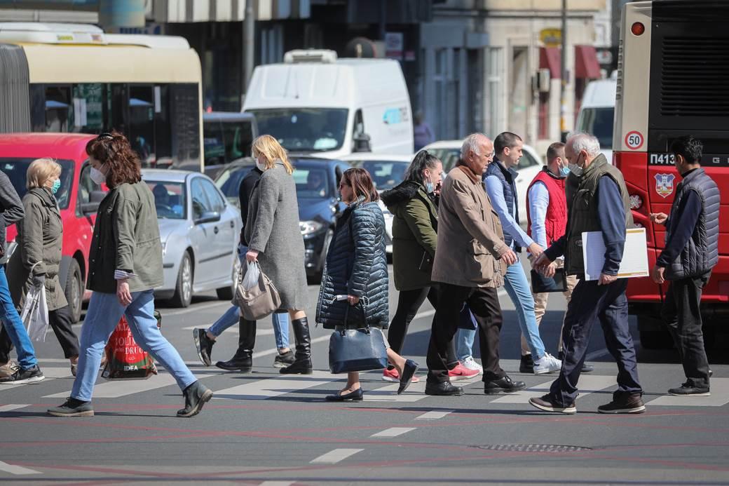pešaci, gužva, presek, korona, ljudi, ulice, covid, porodica