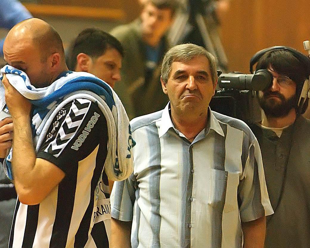 Vuk Roganović na klupi Zvezde.