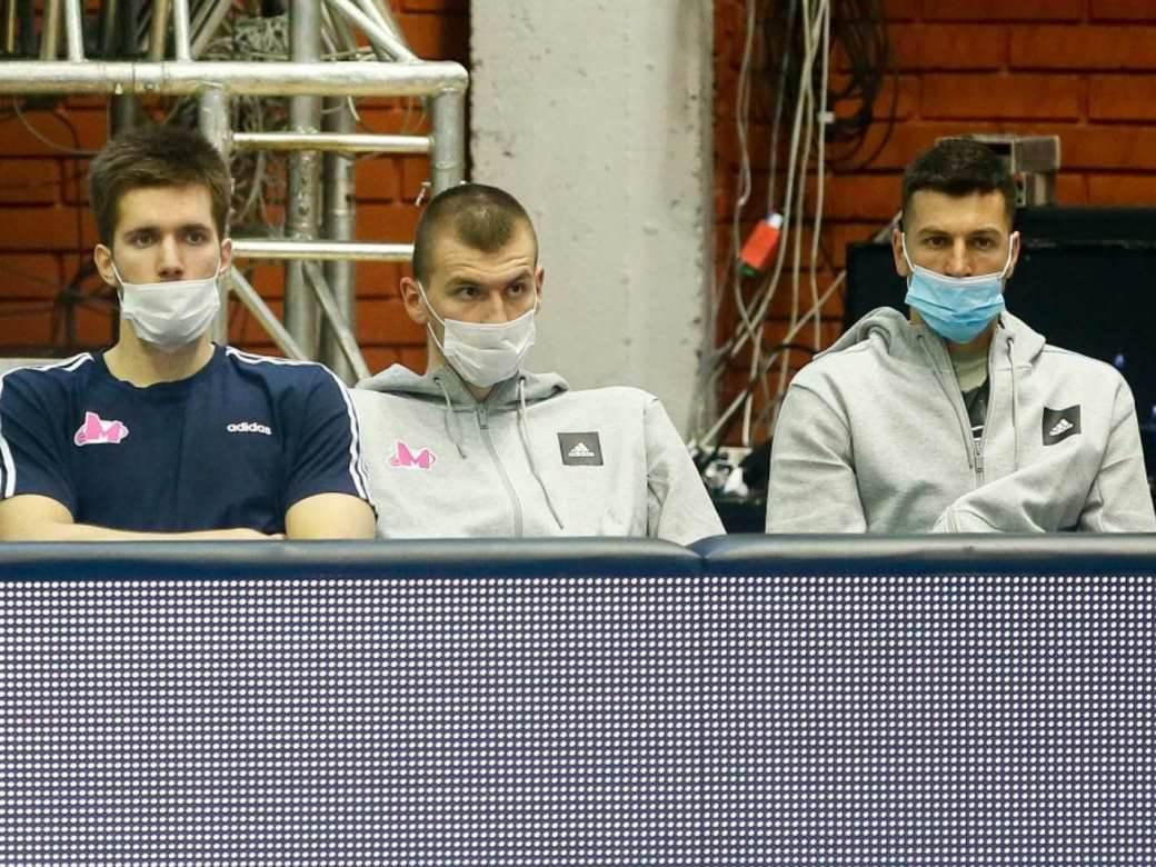 Filip Petrušev Boriša Simanić Dragan Milosavljević na utakmici maske