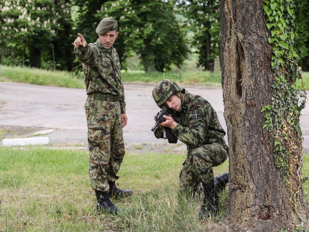 vojska kasarna vojnici topčider