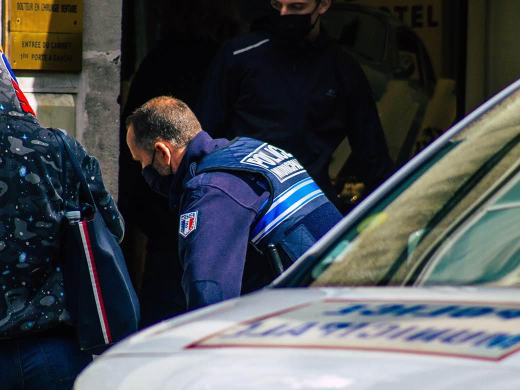 francuska,-policija,-ubsitvo