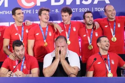 Dejan Savić plače