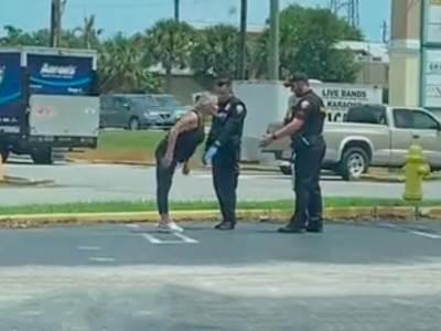 pijana žena policija