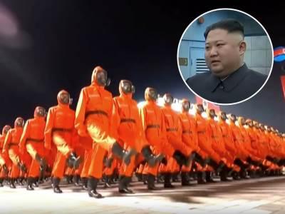 Kim Džong Un na vojnoj paradi