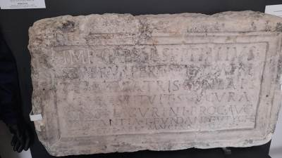 Arheolozi (2)