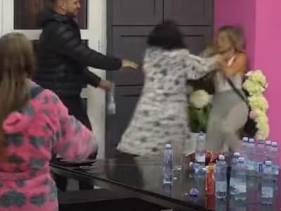 Viki, Marijana, tuča