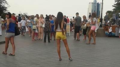 MONDO u Odesi: Lepe žene, pivo i...