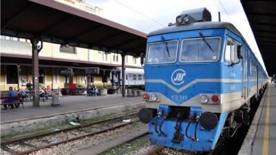 beovoz, voz, lokomotiva, železnica, pruga,