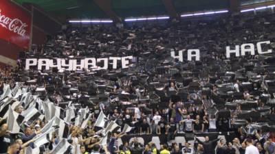 Grobari, Pionir, Partizan, Barselona