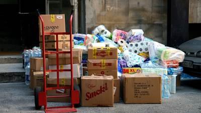 kutije, magacin, roba, stvari, humanitarna pomoć, toalet papir