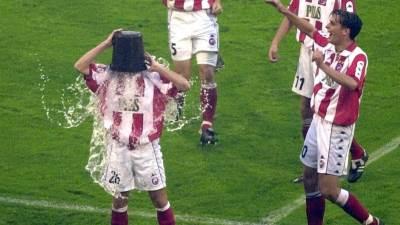 saša zorić sasa zoric polivanje vodom kofa ice bucket challenge poster.jpg