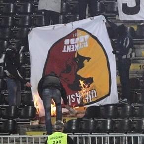 grobari jagoda marko ivkovic pale zastavu galatasaraja nemanja antic oprostaj partizan napredak poster.jpg