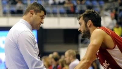 Vladimir Đokić trener Metalca i plejmejker Marko Ljubičić