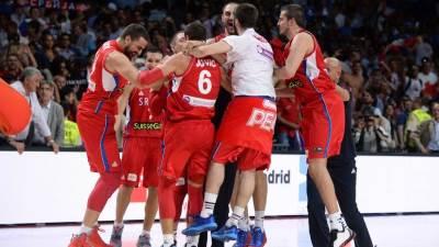 srbija kosarkasi košarkaši srbije srebro 2014 španija world cup silver serbia orlovi 7.jpg