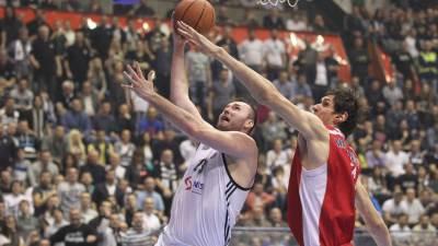 Milan Mačvan i Boban Marjanović u meču ABA lige Partizan Zvezda