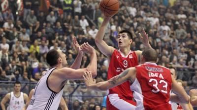 Luka Mitrović u meču Zvezda Partizan