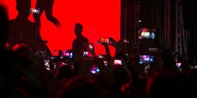 robi vilijams, koncert, ušće, beograd, selfi, selfi stik