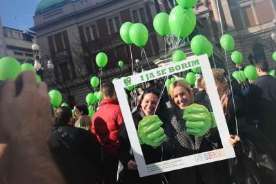 svetski dan dece obolele od raka, nurdor, trg republike, baloni, zeleni baloni