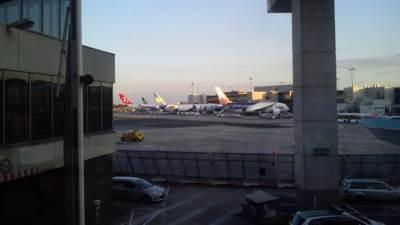 aerodrom frankfurt frankfurtski aerodrom avioni avion