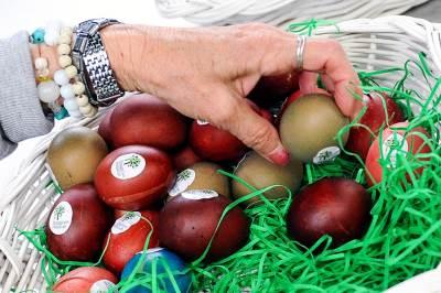 jaja, besplatna jaja, uskrs, pijaca, veliki petak, uskršnja jaja,