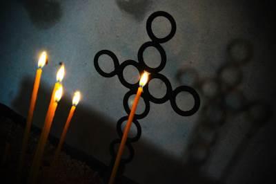 crkva, crkva palja, vlasina, sveća, sveće, krst