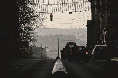 ulica, semafor, automobili, saobraćaj, kneza miloša, kola, beograd, novogodišnje ukrašavanje, grad, ulice,