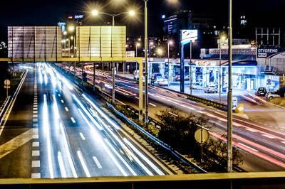 autoput, auto-put, auto put, noć, far, farovi, automobili, beograd noću, kola, saobraćaj noću, saobraćaj, ulica, put, svetlo, svetla, rasveta, ulična rasveta