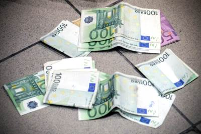 evro, evri, euro, novac, novčanice, pare, ekonomija, 100 evra, 500 evra,