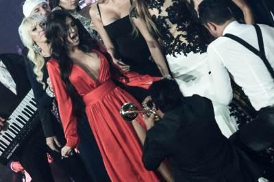 stanija, stanija dobrojević, gaće, crvena haljina