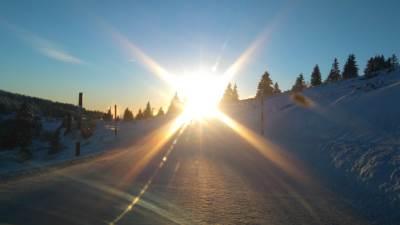 Kopaonik, sneg, planina, sneg na putu, zavejani put