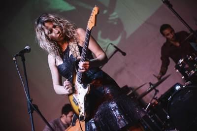 ana popović, mixer house, bluz, gitara