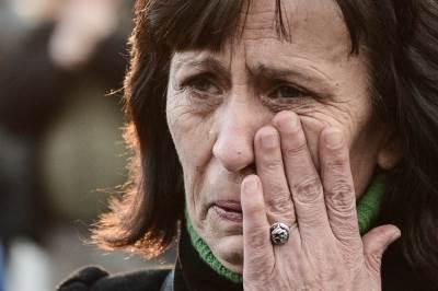 suze, plač, kosovo, pogrom, žrtve, zločin, sećanje,