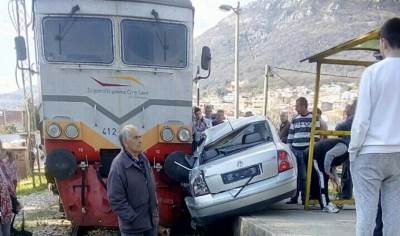 udes Šuanj pruga železnice nesreća voz vozovi