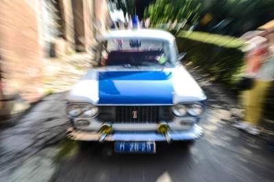 policija, noć muzeja, vozila, fića, zastava