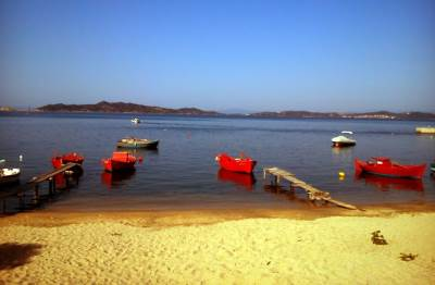 grčka leto brodić čamac plaža pesak uranopolis
